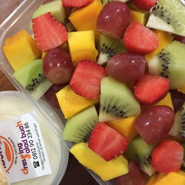 Salad buah ukuran Box kecil