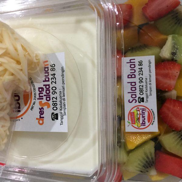 Salad buah ukuran box sedang